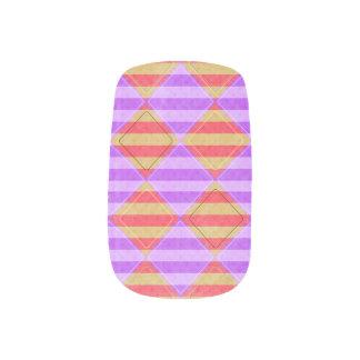 Streifen, Diamanten, gepunktete Muster durch Minx Nagelkunst