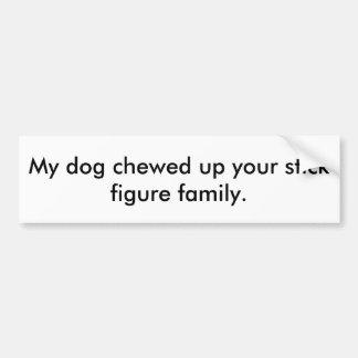 Strichmännchen-Familie oben gekaut durch Hund Autoaufkleber