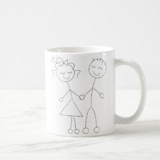 Strichmännchen-Junge und Mädchen Tasse