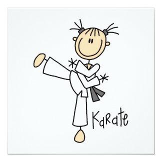 Strichmännchen-Mädchen-Karate-T-Shirts und Personalisierte Einladungen