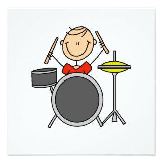 Strichmännchen-männliche Schlagzeuger-T-Shirts und Einladungen