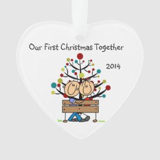 Strichmännchen-Paare auf Bank-Herz-Verzierung