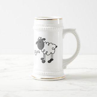Strichmännchen-Schaf-T-Shirts und Geschenke Bierkrug