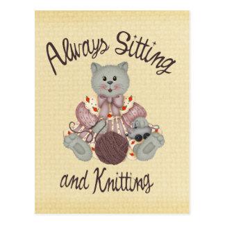 Strickende Katze Postkarte
