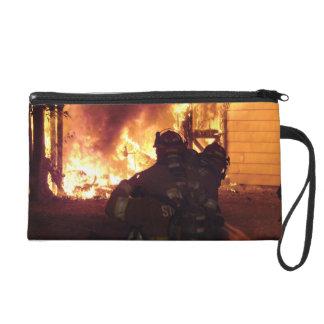 Struktur-Feuer Wristlet Handtasche