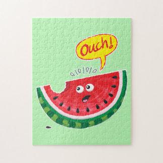 Stück der Wassermelone die Schmerz nach einem Biss Puzzle