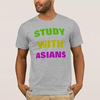Studie mit Asiaten T-Shirt
