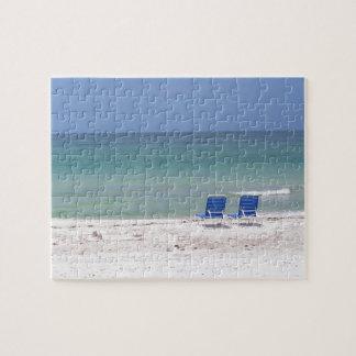Stühle auf dem Strand Puzzle