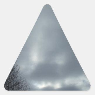 Sturm-Wolken Dreieckiger Aufkleber