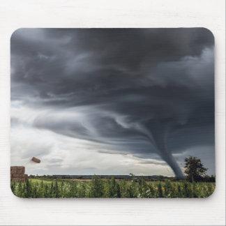 Stürmen Sie Tornado oder lifing Heu des Twister im Mousepad