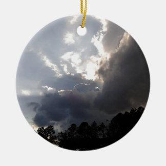 Sturmwolken, die herein rollen keramik ornament