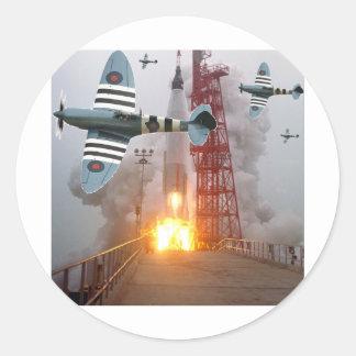 Sturzbomber-Angriffs-Rakete! Runder Aufkleber