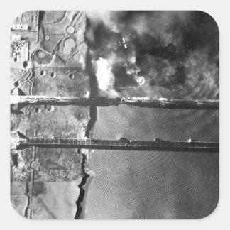 Sturzbomber der Marine AD-3 pulls_War Bild Quadrat-Aufkleber