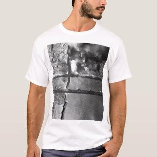 Sturzbomber der Marine AD-3 pulls_War Bild T-Shirt