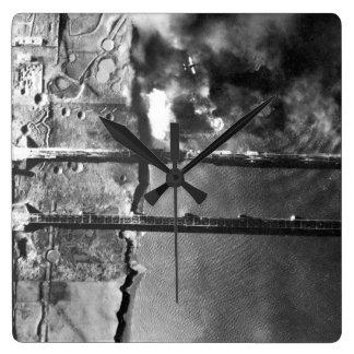 Sturzbomber der Marine AD-3 pulls_War Bild Wanduhren