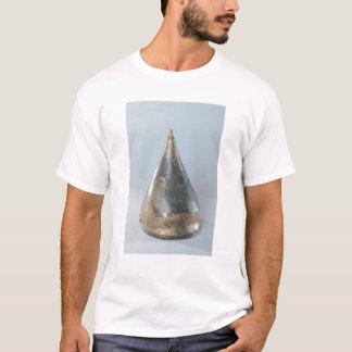 Sturzhelm mit eingeschnittener Dekoration T-Shirt