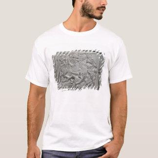 Sturzhelmfragment, von Sutton Hoo Schatz T-Shirt