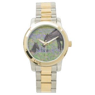 Stute und Fohlen mit Bluebonnets-Uhr-Gesicht Uhr