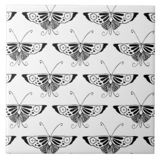 Stylized Dekoschmetterling - Weiß und Schwarzes Keramikfliese
