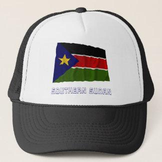 Südliche wellenartig bewegende Flagge Sudans mit Truckerkappe