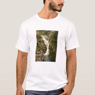 Sulby Schlucht-obere Fälle, Ramsey, Isle of Man T-Shirt