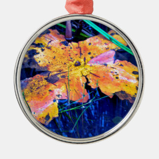 Summer Sky is touching Water Ground Rundes Silberfarbenes Ornament