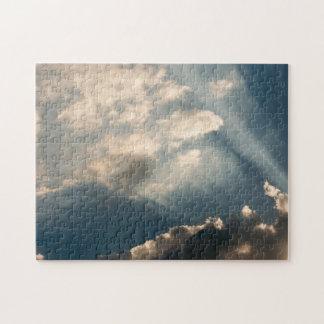 Sun-Casting strahlt Abflussrinne die Wolken Puzzle