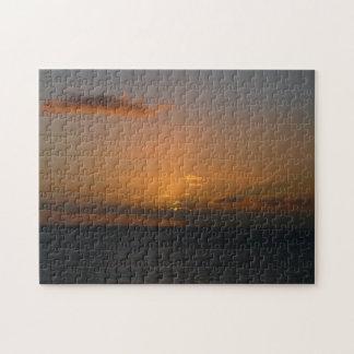 Sun hinter Meerblick-Fotografie der Wolken-II Puzzle