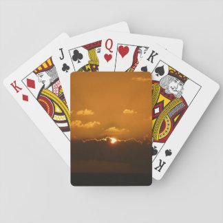 Sun hinter Orangen-Meerblick der Wolken-I Spielkarten