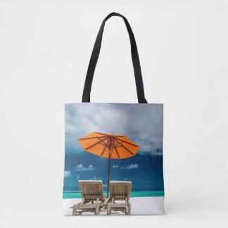 Sun-Regenschirm auf Sandy-Strand |Maldives
