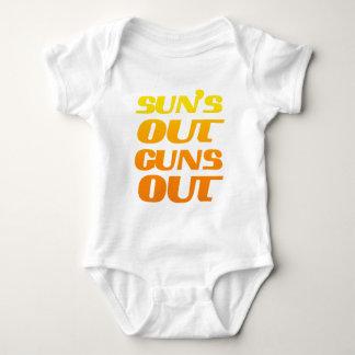 Suns heraus schießt heraus Spaß-Fitness und Baby Strampler