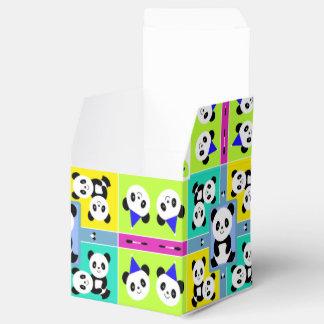 Super niedliche Panda-Bärn-Blöcke der Farbe Geschenkschachtel