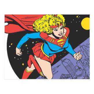 Supergirl springt in Raum Postkarte