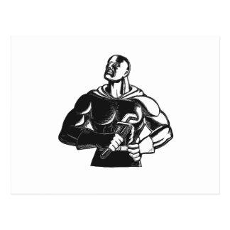 Superheld-Klempner mit Schlüssel-Holzschnitt Postkarte