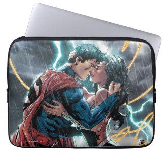 Supermann-/Wunder-Frauen-Comic-fördernde Kunst Laptopschutzhülle