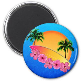Surfbrett-und Hibiskus-Blumen Kühlschrankmagnet