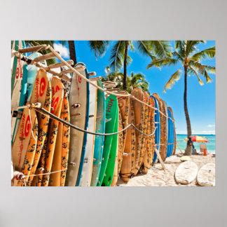 Surfbretter an Waikiki Strand, Hawaii Poster