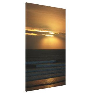 Surfen am Sonnenuntergang Leinwanddruck