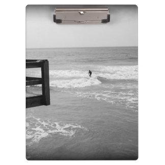 Surfen durch den Pier 2