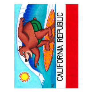 Surfende Bärn-Flagge Kaliforniens Postkarte
