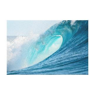 Surfende Fasswelle, die Leinwanddruck bricht