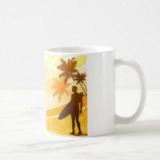 Surfer auf Strand-Entwurf Kaffeetasse