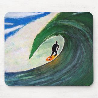 Surfer, der die Rohrwelle in Hawaii Mousepad surft