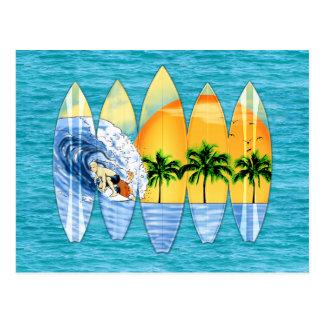 Surfer und Surfbretter Postkarte