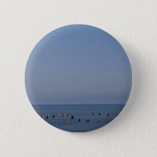 Surfers warteten eine Welle Runder Button 5,7 Cm