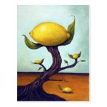 Surrealer Zitronenbaum Postkarte