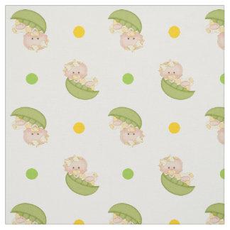 Süße Erbse im Hülsen-Baby u. Tupfen färben sich Stoff