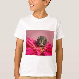 Süsse in einer Blume T-Shirt