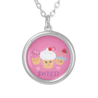 Süße Leckereien - kleine Kuchen! Versilberte Kette