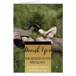 Süße Paare, die Gras /Thank Sie legen Karte